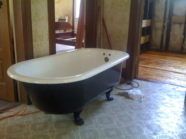 Claw Foot Tub Ready for Install : Geoff Coats
